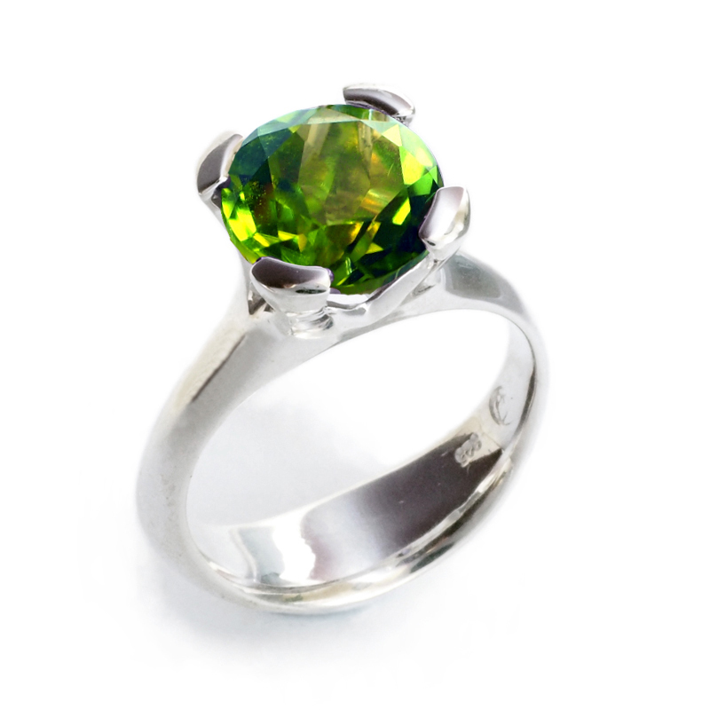 silver Anemone Ring with peridot